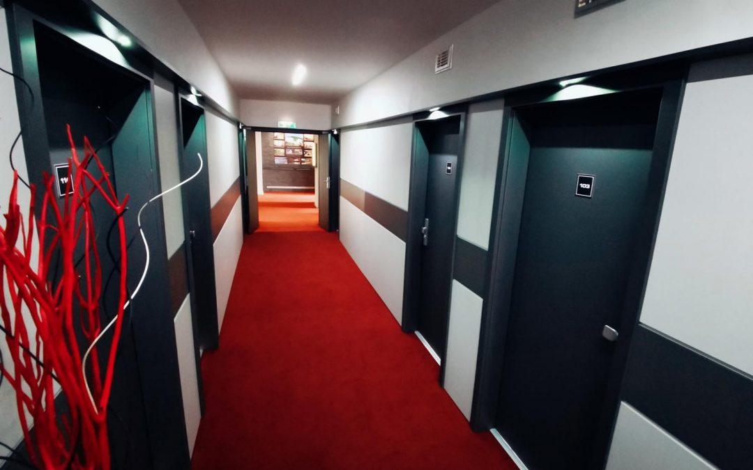 Nový design hotelových chodeb